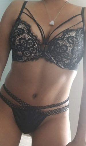Jahina escort girl in Mission Bend
