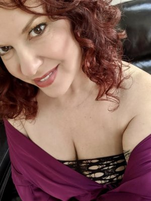 Anne-renée incall escort in Marshall