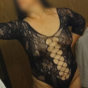 Adora outcall escort in Elfers